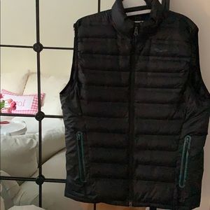 Other - BLACK SAUCONY THIN PUFFER VEST